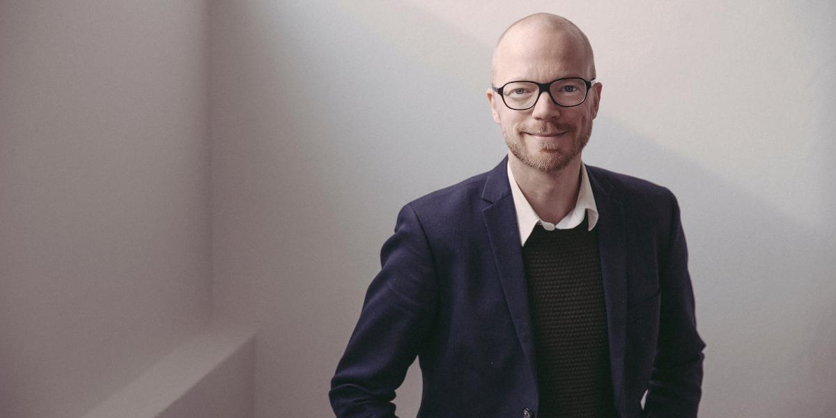 Jakob Moll holder foredrag om samspillet mellem kultur og medier
